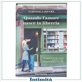 """Intimità  + libro di Veronica Henry """"Quando l'amore nasce in libreria"""""""