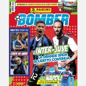 """Numero Speciale con Campo da gioco e Card Trofeo Calciatori Adrenalyn XL 2019-20 variant """"Bomber Edition"""""""